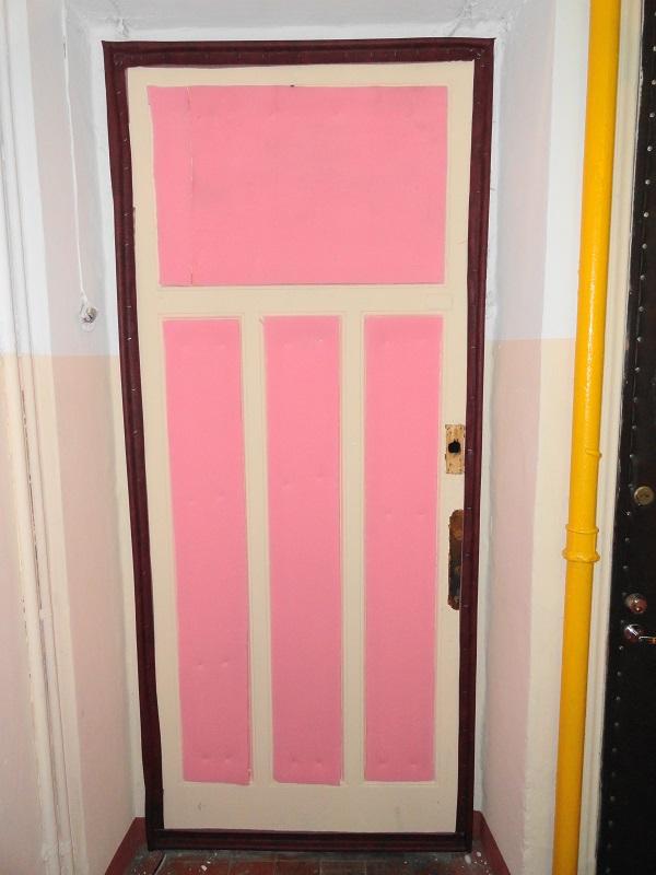 Изготовление и установка валиков из энергофлекса филенчатой двери