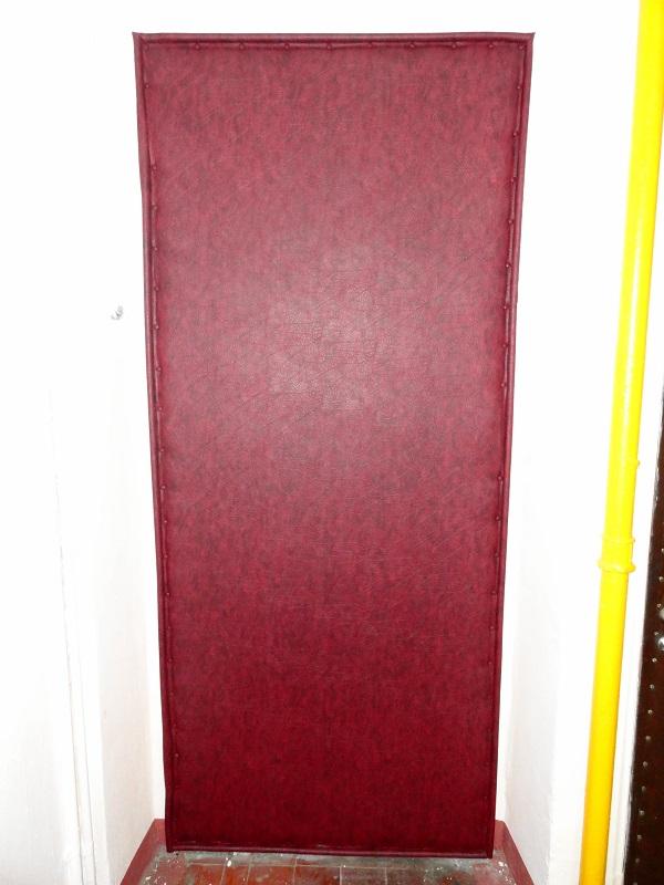 Обивка лицевой стороны филенчатой двери