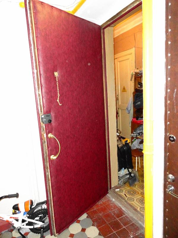 Обивка внутренней стороны филенчатой двери