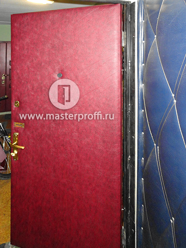 металлические двери двустворчатые оббитые дермантином