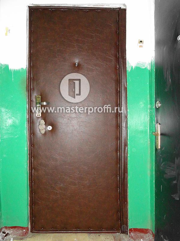 стальные двери с напылением черный крокодил